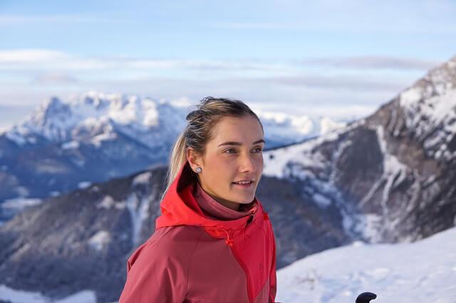 Keller Sports Pro Lisa testet bei Skitouren die Schöffel Skitour Bekleidung 2020 2021