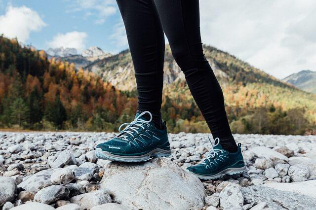LOWA Outdoor Schuhe mit GORE-TEX Membran sind funktional wasserdicht und winddicht