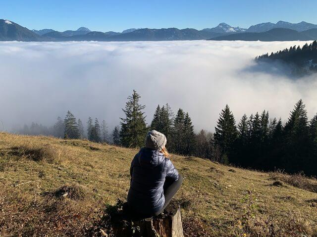 Mit der Warmcube Technologie schützt die Marmot Warmcube Featherless Isolationsjacke vor Kälte bei jeder Outdoor Tour 2020