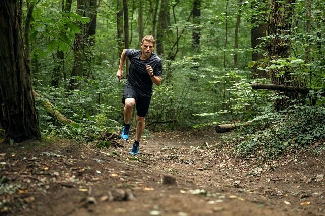 Mit unseren Tipps für Trail Einsteiger gelingt dir das Training für den ersten Lauf auf Trails 2021