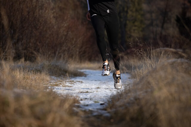 Trailrunning heißt nicht immer nur bergauf auch das Laufen im flachen Gelände gehört zum Trail Lauf dazu