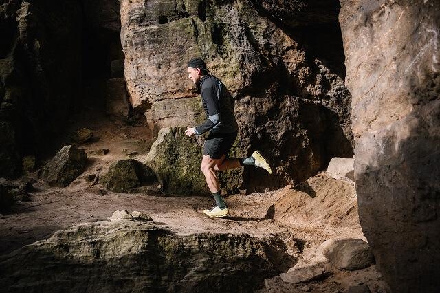 Mit dem On Cloudultra lassen sich lange Trail Läufe und ein gutes Trailrunning Training 2021 locker laufen