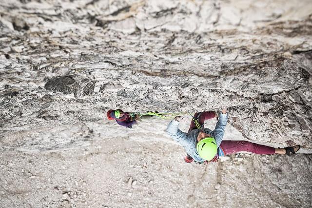 Die Salewa Alpine Hemp Outdoor Kollektion überzeugt im Test 2021 mit viel Komfort und Funktionalität