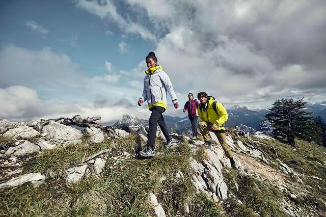 Die adidas TERREX MYSHELTER GORE-TEX Active Outdoorjacke aus der adidas Terrex Swift in the mountains Kollektion überzeugt durch Komfort und Funktionalität im Outdoor Test 2021