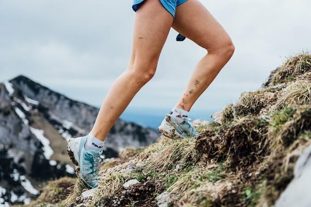 Der Salomon Sensride ist der perfekte Trailrunning Laufschuh und bitet viel Grip und Komfort auf den Trails