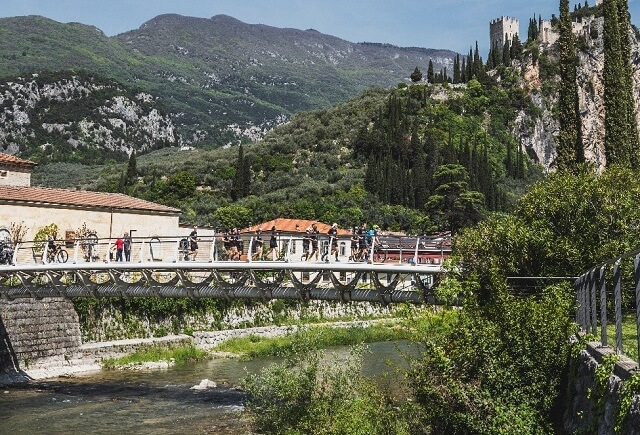 Das Lake Garda 42 Edition Zero Event 2021 führte durch schöne Landschaften bei einem Marathon Lauf