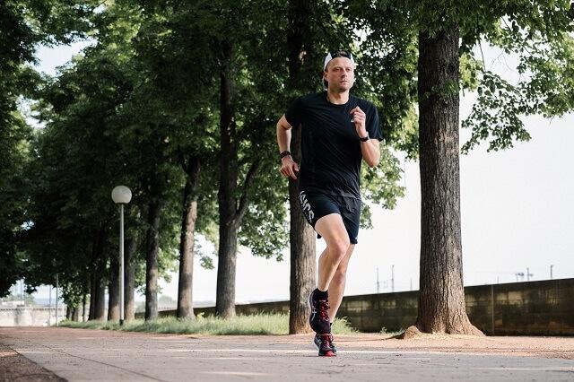 Die ASICS GEL-Kayano 28 Laufschuhe überzeugen im Running Test 2021 mit viel Dynamik und Stabilität