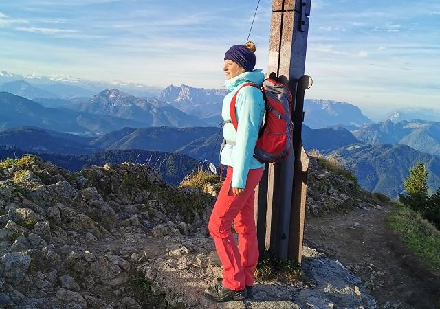 Die Schöffel Hiking Active Outdoorbekleidung ist perfekt geeignet für eure Herbst Outdoor Touren